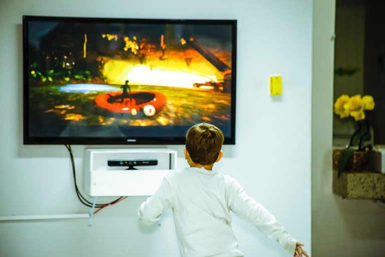 Children Listening to Music or Watching Cartoons During ER Procedures: A RCT